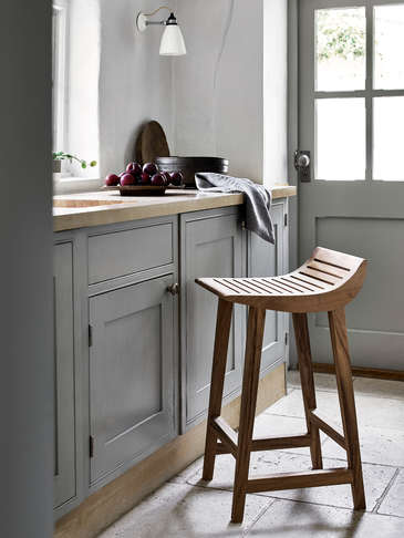 Curved Kitchen Stool