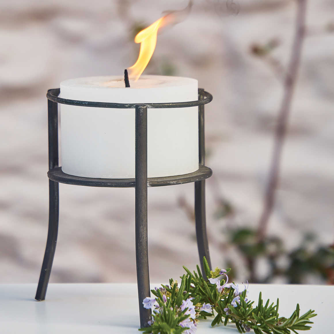 OUTDOOR CANDLELIGHT